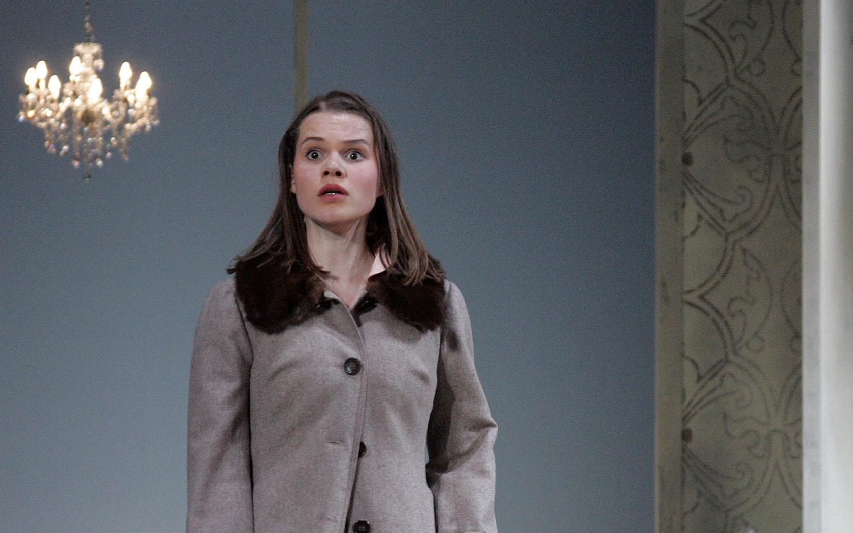 Franziska Krol als Effi in Effi Briest